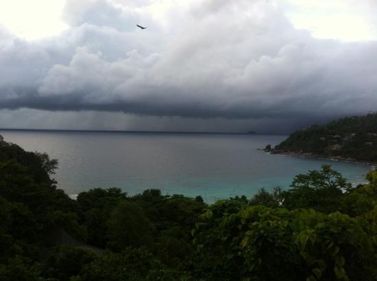 Four Seasons Resort Seychelles: View from Pavilion deck, Hilltop villa