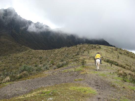 Alegria Farm : seule au monde, ou presque sur la crête de cette montagne, près du Cotopaxi