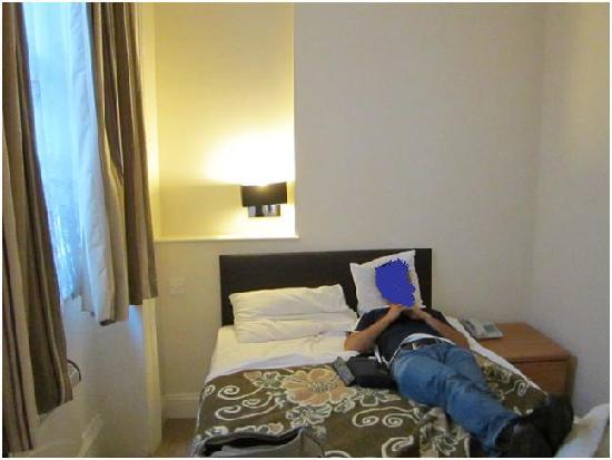 Athena Hotel : stanza