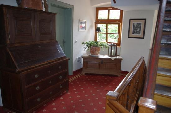 Gasthof zum Storch: a corridor
