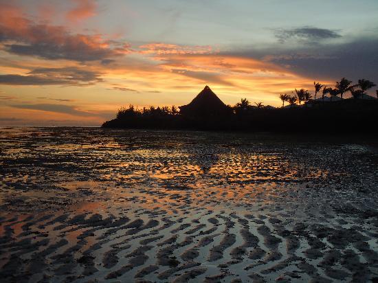 Ora Resort Watamu Bay: tramonto con bassa marea