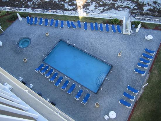 Emerald Shores Hotel: Pool