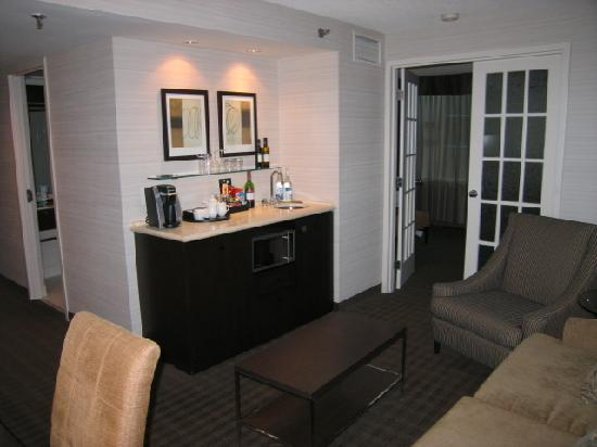 Cambridge Suites Toronto: suite