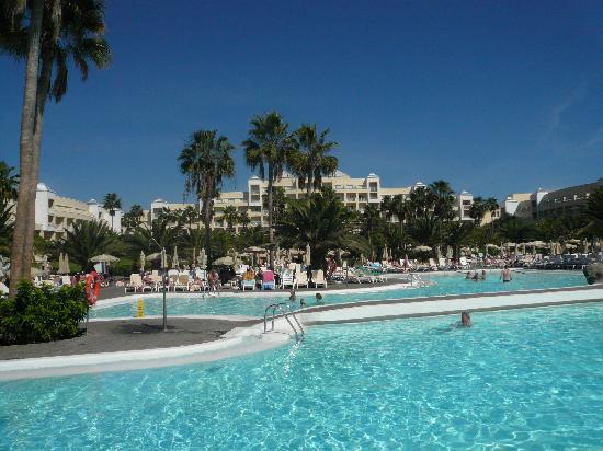 ClubHotel Riu Gran Canaria: View from pools