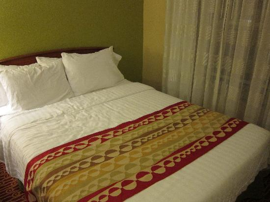 TownePlace Suites Newark Silicon Valley : Comfy beds