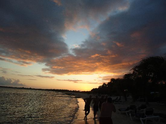 El Dorado Sensimar Riviera Maya: Sunset on the Beach