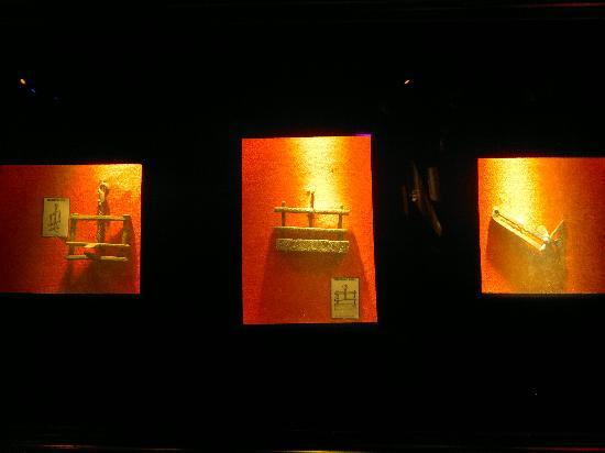 Auld Reekie Tours: Instruments of torture