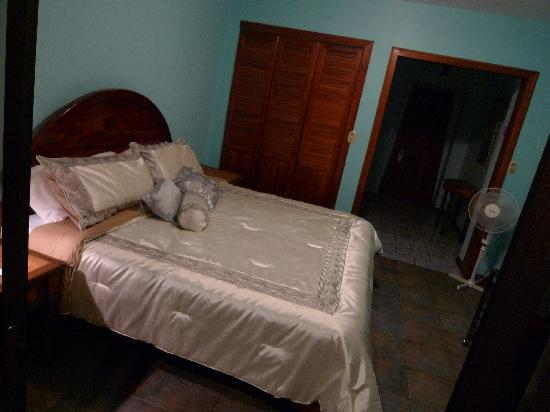 Mirador B&B: King size bed Room number 9