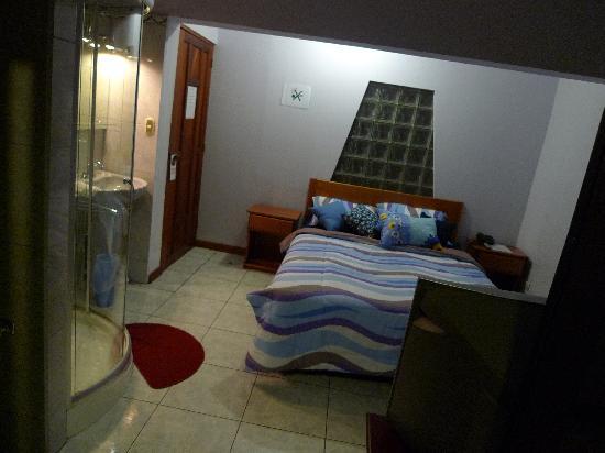 Mirador B&B: Queen size bed room number 8