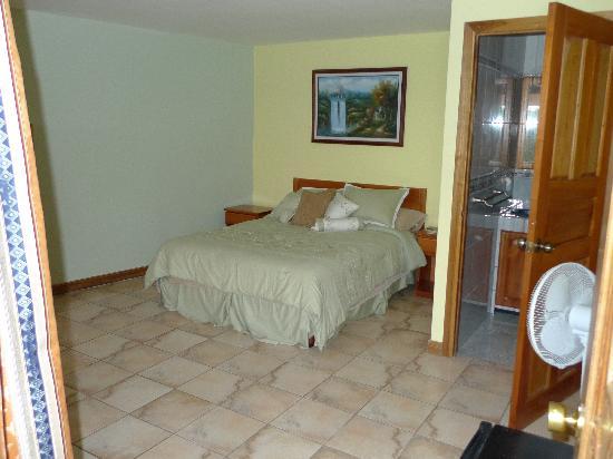 Mirador B&B: Queen size bed room number 3