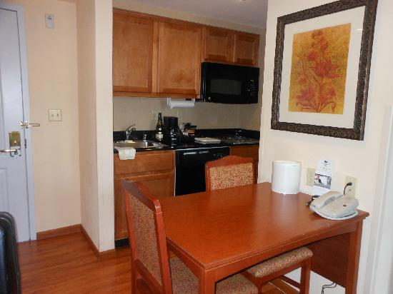 Homewood Suites Fairfield - Napa Valley Area: Great Kitchen