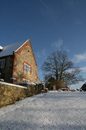 Newnham Farm: Snow and blue sky ...perfect
