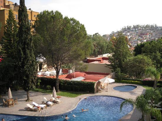 Camino Real Guanajuato: Magnific pool & gardens!