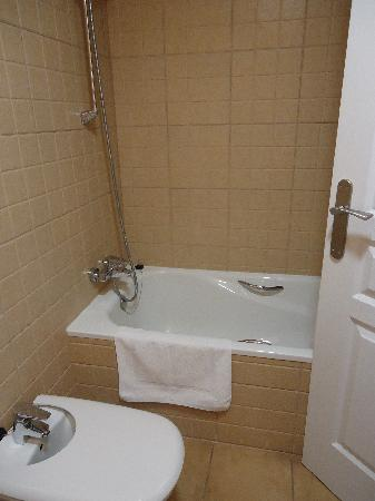 Hotel Valdelinares : baño