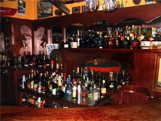 Moby Dick Pub: Barra interior