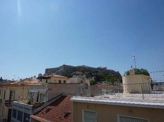 Kimon Athens Hotel: view of Acropoli from the rooftop terrace