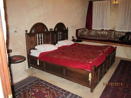 MDC Hotel: Bed (standard room)