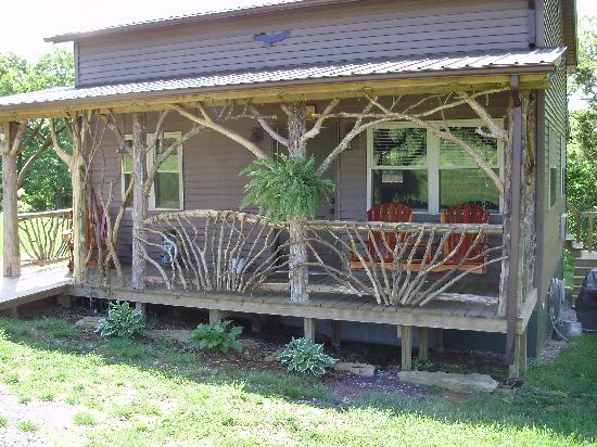 Rim Rock's Dogwood Cabins: Eagle's Retreat