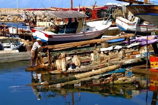 ท่าเรือไคเรเนีย: Kyrenia Harbour.