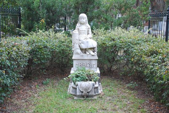 Bonaventure Cemetery: Gracie