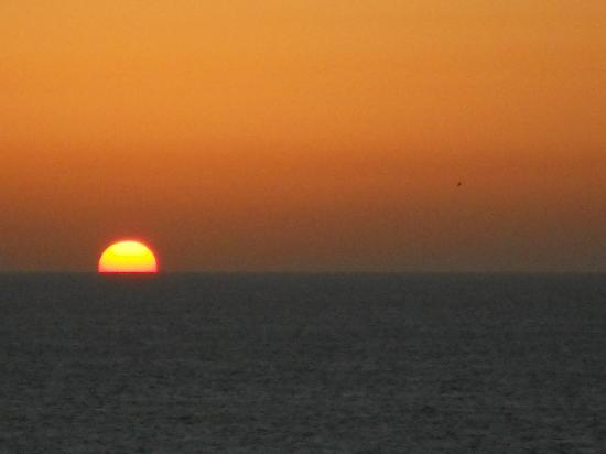 Shalom Hotel & Relax Tel Aviv - an Atlas Boutique Hotel: Sunset over the Med Sea