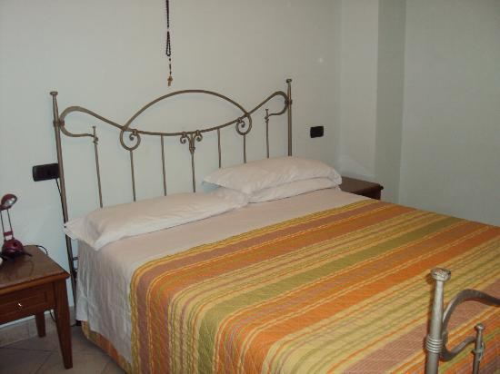 Ponte San Vittorino Hotel Restaurant: la camera da letto