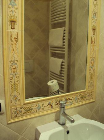 Ponte San Vittorino Hotel Restaurant: il bagno