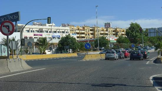 Alboran Algeciras: Highway outside hotel
