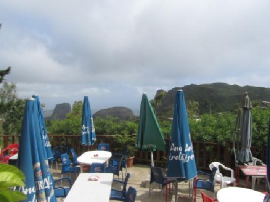 Quinta da Montanha Hotel: Outdoor patio