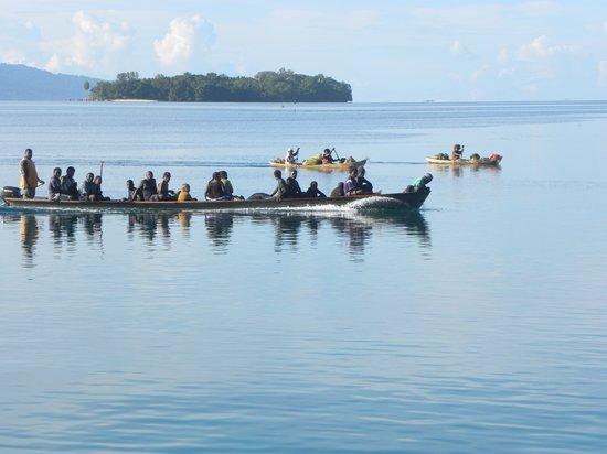 Canoes nearing the Munda Market, Roviana Lagoon
