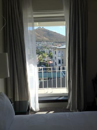 Queen Victoria Hotel & Manor House: view of table mountain from bedroom-wow!