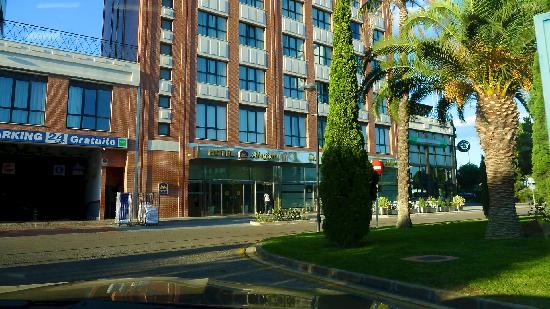 Alfafar, Spanien: Area around hotel