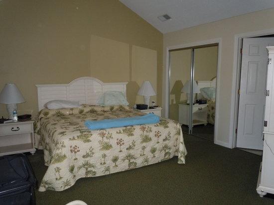 Carolina Club by Spinnaker Resorts: Master Bedroom