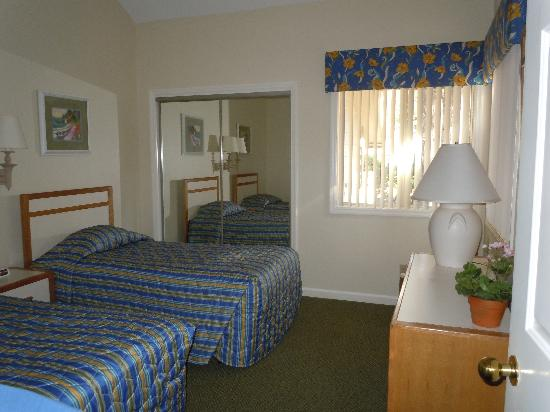 Carolina Club by Spinnaker Resorts: Twin bedroom