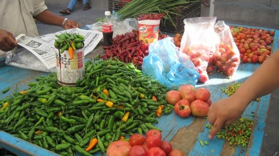 Patio Mexica: peppers at the market