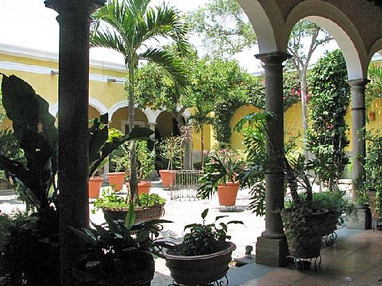Sayula, Mexiko: Courtyard