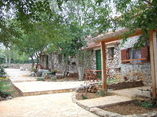 Agrotourism Kalpic b&b: Cottages