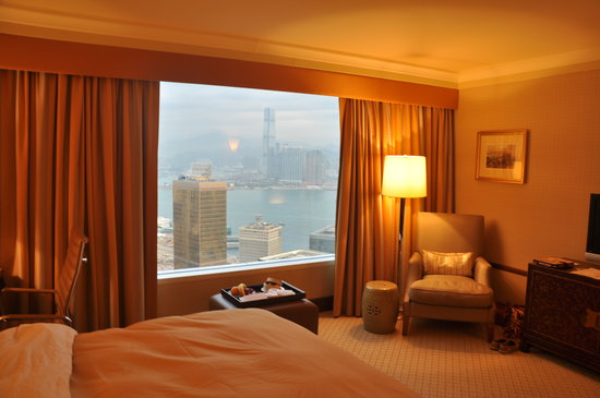 Conrad Hong Kong: Executive Harbor View room