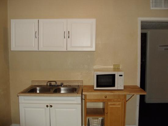 Desert Hills Motel: Kitchen