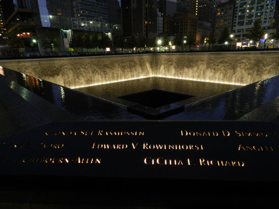 National September 11 Memorial und Museum: lighted names of victims