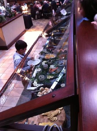 Garden Grill at the Radisson's: great salad bar!!