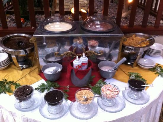 Garden Grill at the Radisson's: one of many dessert stations...make-your-own sundae!