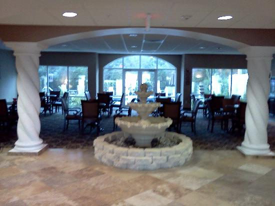 Comfort Inn & Suites Jupiter: Entrance in hotel