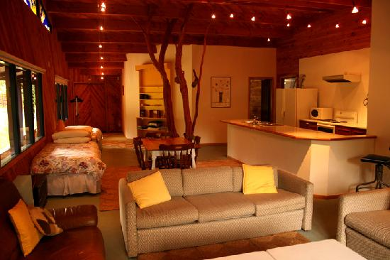 Foley's Creek: The Gallery's living area