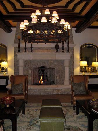 Arrabelle at Vail Square, A RockResort: Lobby