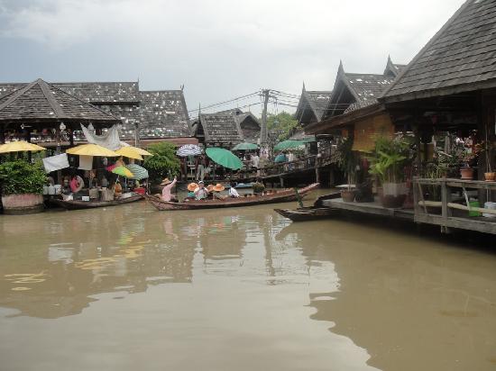 ตลาดน้ำสี่ภาค พัทยา: Pattaya Floating Market