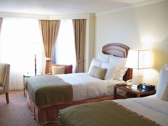 The Ritz-Carlton, Buckhead : bed