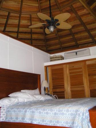 Cocotal Inn & Cabanas: Inside Cabana #6