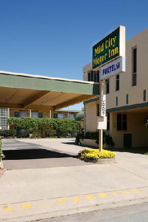Mid city motor inn updated 2017 motel reviews price for Motor city hotel prices