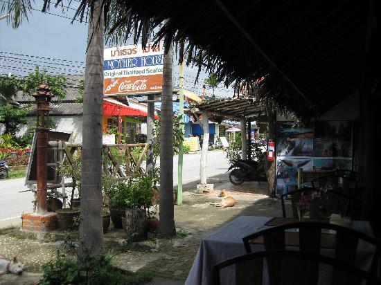Motherhouse Bar- Restaurant: Front of restaurant